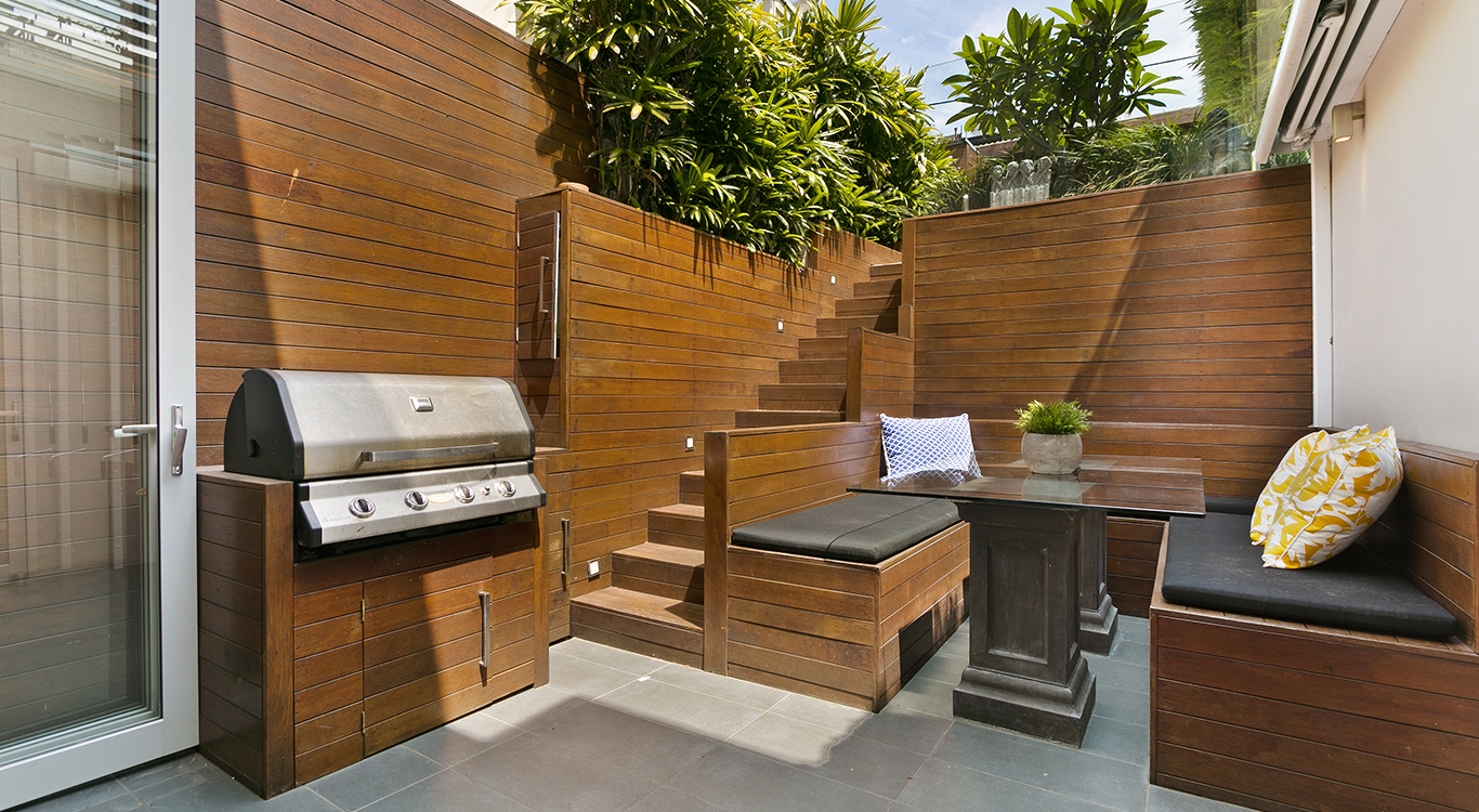 The Ultimate Outdoor Kitchen